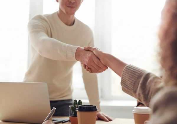 Socio Cercasi: i requisiti di un business partner