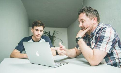Come diventare un mentor startup: compiti e competenze di una guida per startupper