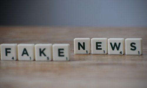 Combattere le fake news nel 2021 a suon di intelligenza artificiale: intervista alla startup Fakebusters